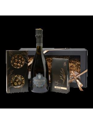 Prabangi moteriška dovana su putojančiu vynu, triufeliais ir kava